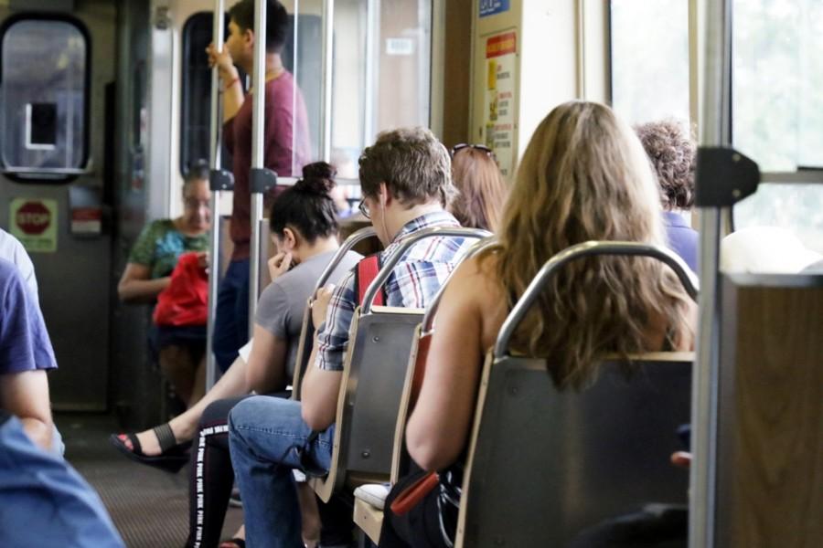 Zug mit Passagieren