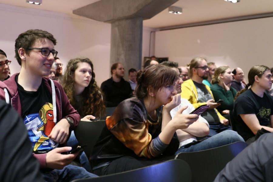 Publikum bei der PLAY Show im Museum für Kunst und Gewerbe Hamburg