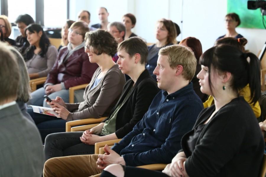 Publikum bei der Diskussionrunde angedockt: Medienbildung Hamburg in der Kita Christianskirche Hamburg